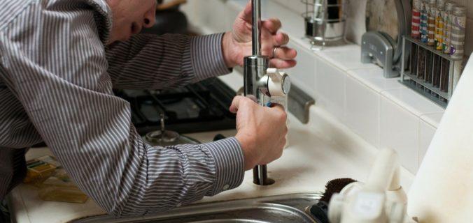 déboucher-et-entretenir-les-canalisations-dans-une-maison